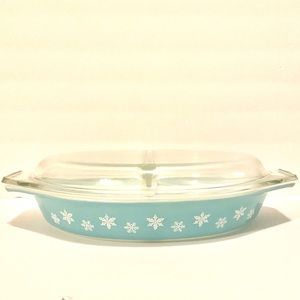 Vintage divided turquoise snowflake Pyrex